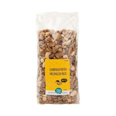 Glutenvrije noten vers gemengd